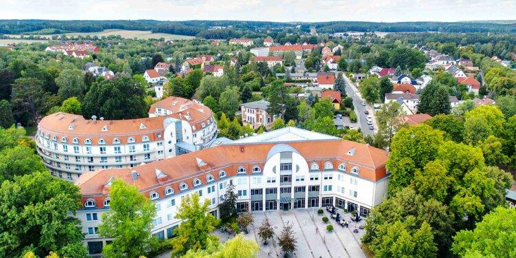 """Eisenmoorbad Bad Schmiedeberg: Technisches Update mit """"flüsternder"""" BHKW-Lösung"""