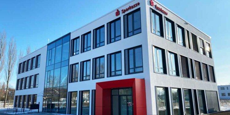 Bezirkssparkassen-Neubau auf der Insel Reichenau